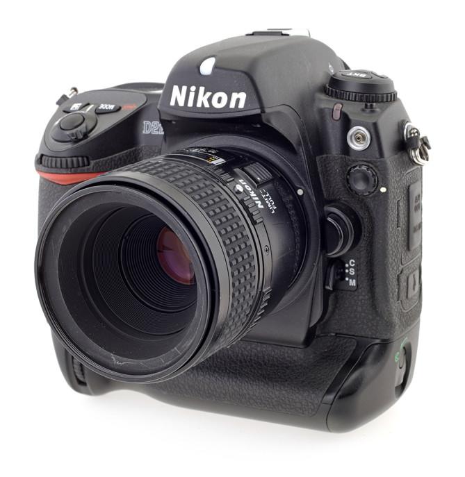 Старичек Nikon D2H
